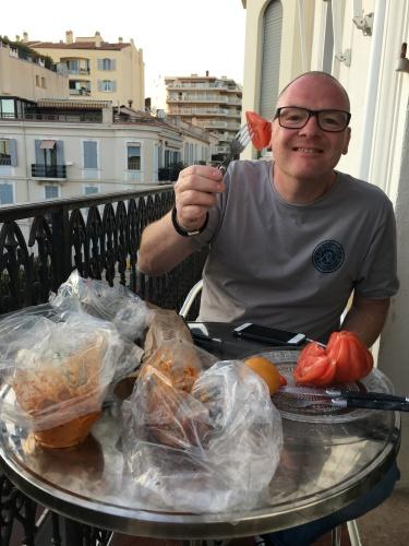 Abends genossen wir kleine Köstlichkeiten auf unserem Balkon